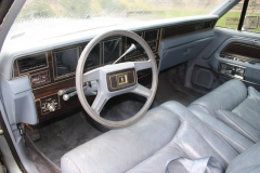 lincoln-continental-mark-iv-1983-signature-series-019